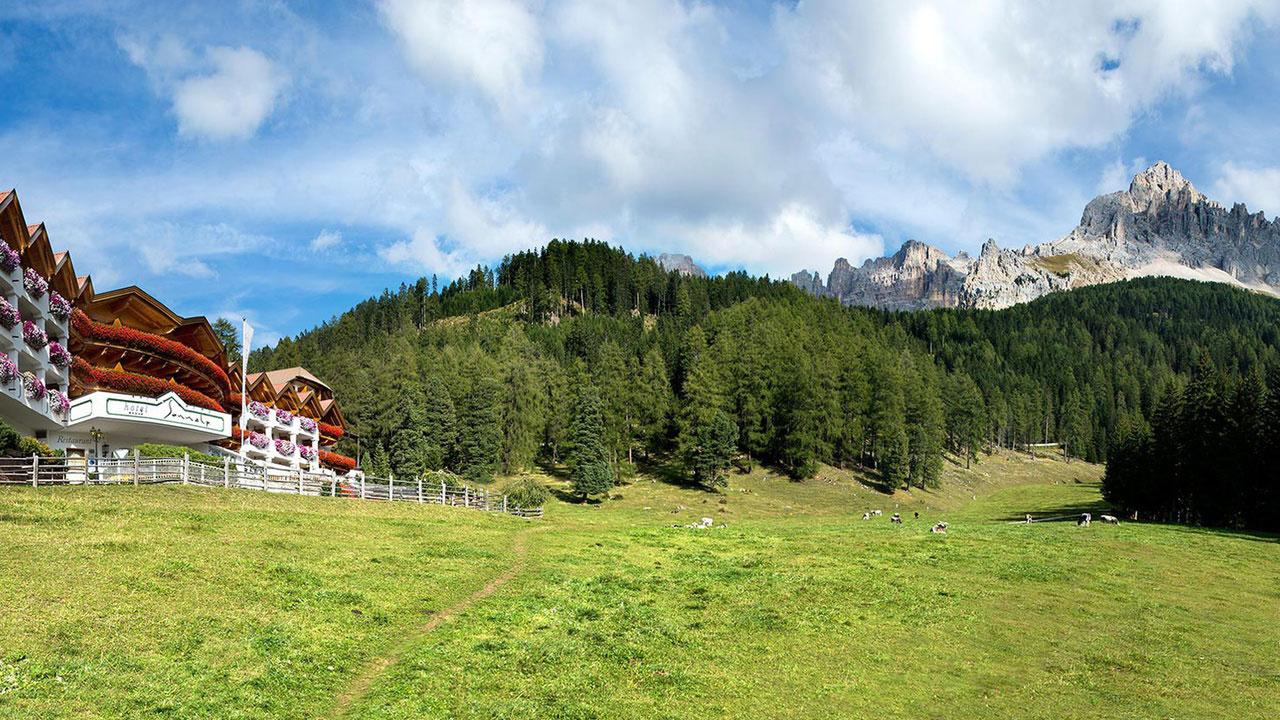 panorama-hotel-obereggen-dolomiten-1